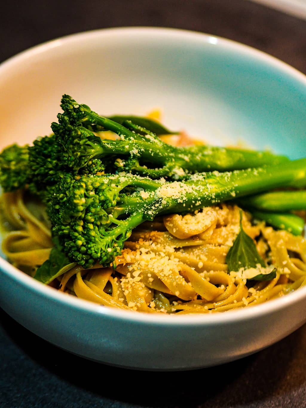If you're looking for a really easy broccoli recipe, this simple yet delicious garlic, lemon, parmesan, and broccoli pasta recipe is for you! Try this now or pin it for later. #cookingforone #30minutemeals #recipeforone #foodrecipes #onedishkitchen #dinnerideas #vegetariandish | cooking broccoli | broccoli dinner recipes | broccoli dinner | recipe with broccoli | broccoli dishes recipes | broccoli ideas | broccoli dishes | broccoli recipes easy