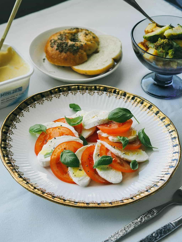 Classic Tomato And Mozzarella Salad Caprese Salad